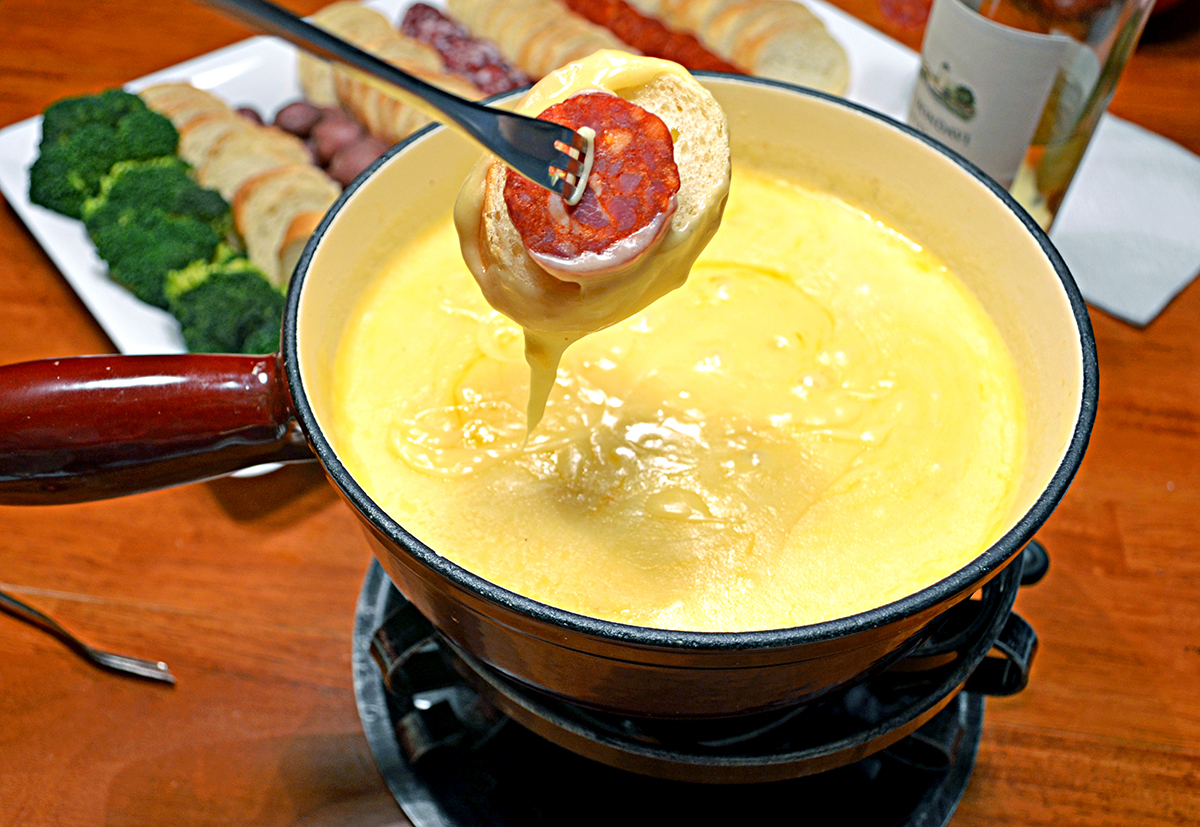 Swiss Cheese Fondue & Cheddar Cheese Fondue Recipes