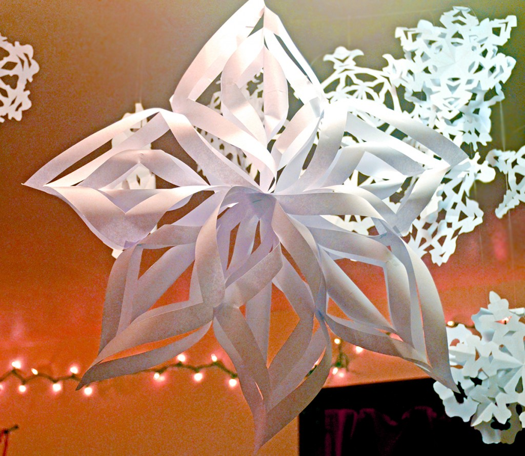 How To Make Paper Christmas Ceiling Decorations : Paper snowflake decorations host the toast