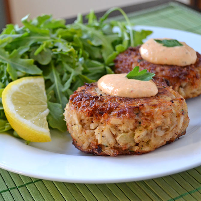 Maryland Crab Cakes with Horseradish-Sriracha Remoulade. Easy to make ...