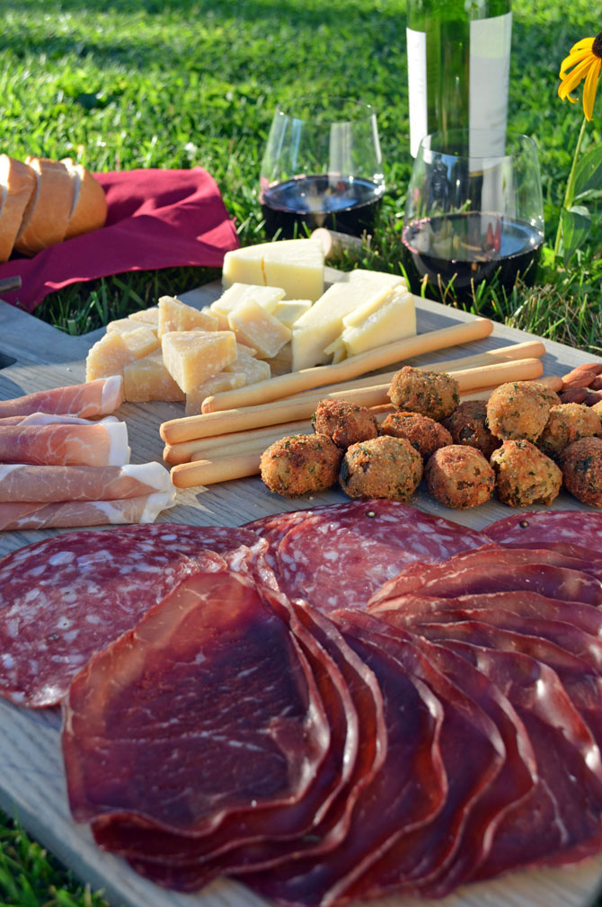 How to Put Together Your Own Italian WIne and Antipasto