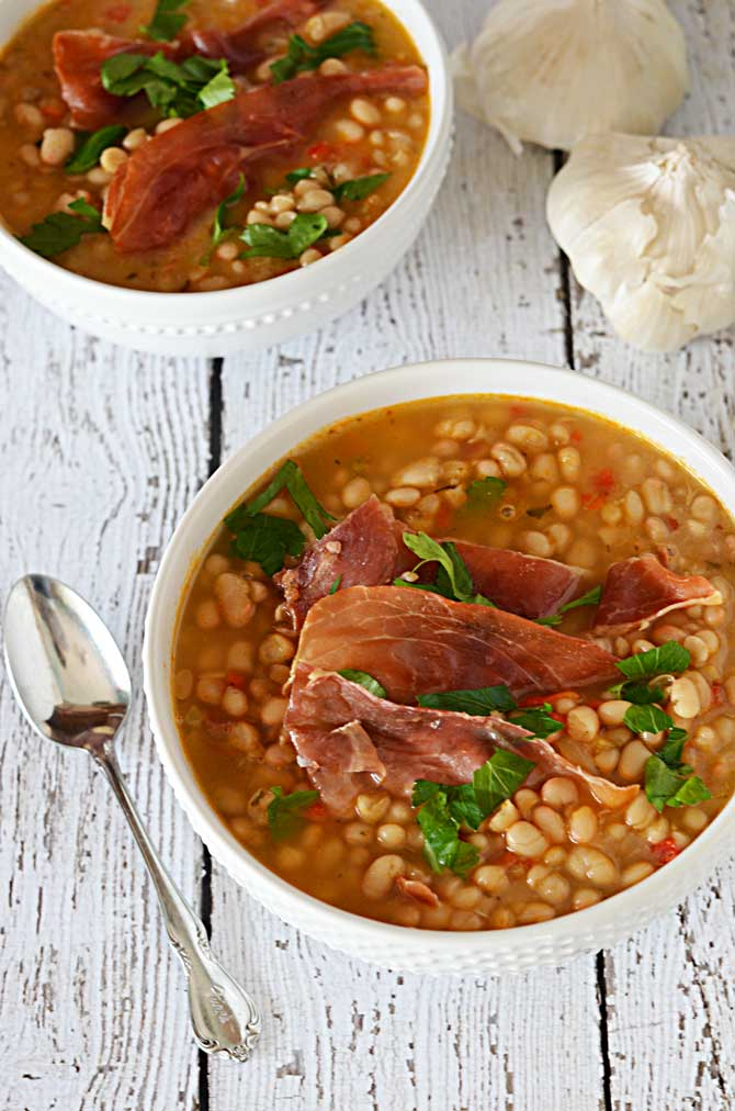 Roasted Garlic and White Bean Soup