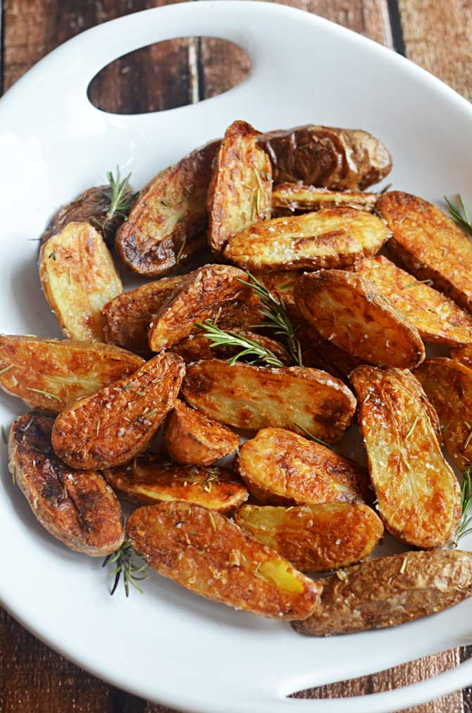 Crispy Sea Salt and Vinegar Roasted Potatoes.  These are so crisp and flavorful, you'll want to eat them as a side dish for every meal! | hostthetoast.com