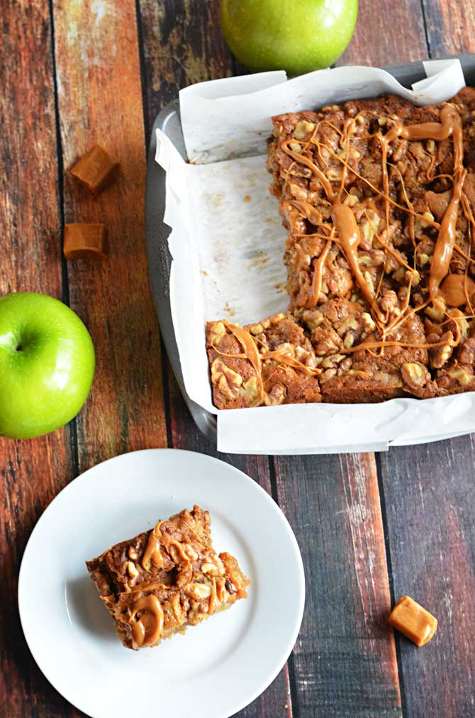 Caramel Apple Blondies.  Browned butter, brown sugar, apples, walnuts, and caramel come together in this delicious fall dessert! | hostthetoast.com
