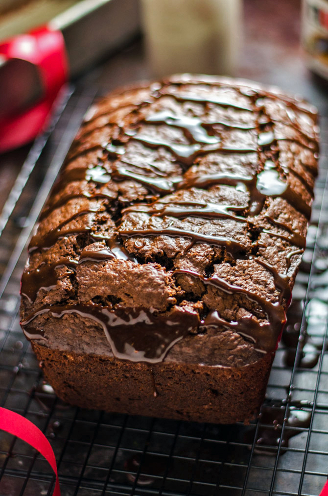 5 Ingredient Nutella Banana Bread. This moist, chocolate banana bread is unbelievably easy to make. | hostthetoast.com