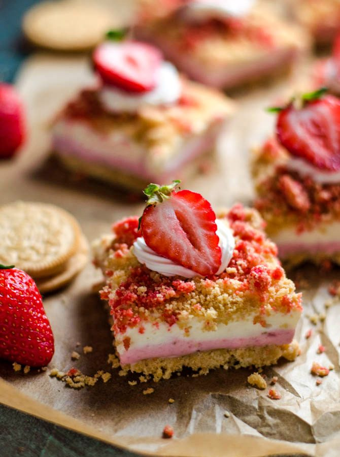 No-Bake Strawberry Shortcake Cheesecake Bars