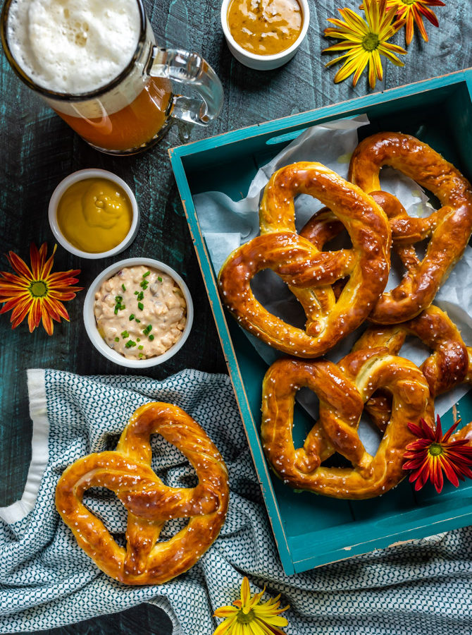Homemade Mall-Style Soft Pretzels