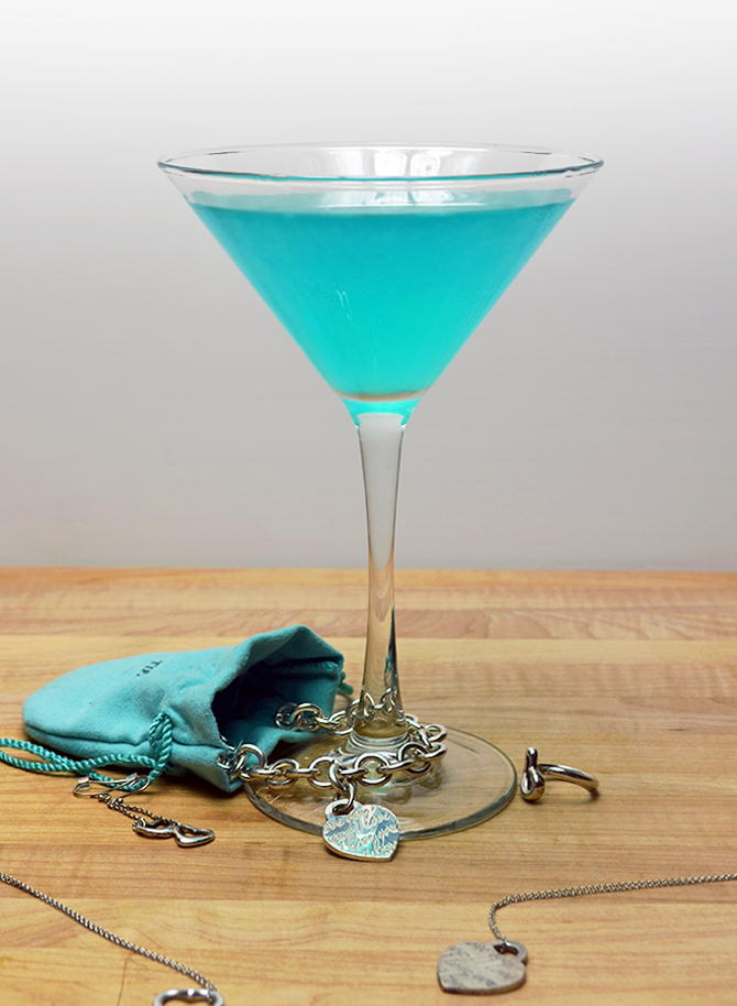 The Tiffany Blue Cosmopolitan makes an easy, tasty, and beautiful cocktail for weddings, bridal parties, and girls' nights!  (Or just because!)