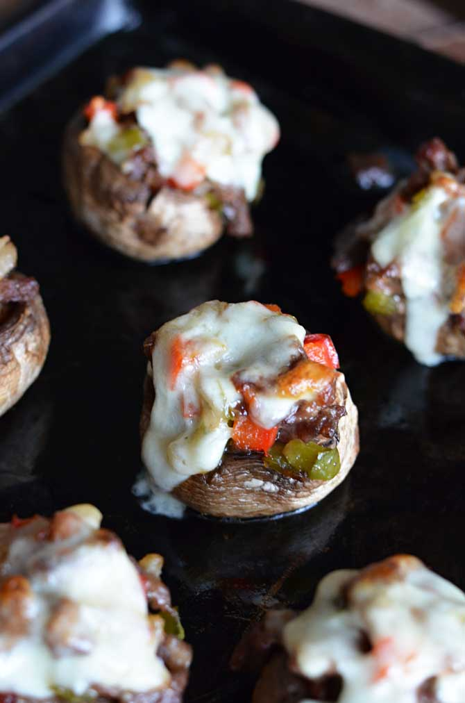 Cheesesteak Stuffed Mushrooms- A gluten free, easy to make, and super tasty appetizer for game day or parties! | hostthetoast.com