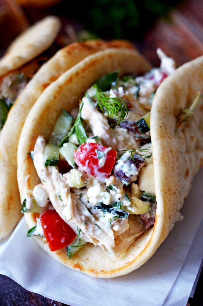 Easy Greek Tzatziki Chicken Salad. Delicious? Check. Easy? Check. Healthy? Check.  Find out how to make the no-cook quick summer salad!   hostthetoast.com