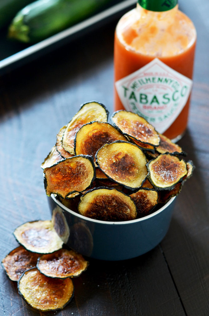 Crispy Tabasco Zucchini Chips | These baked zucchini chips are crunchy, spicy, and a great easy snack! | hostthetoast.com