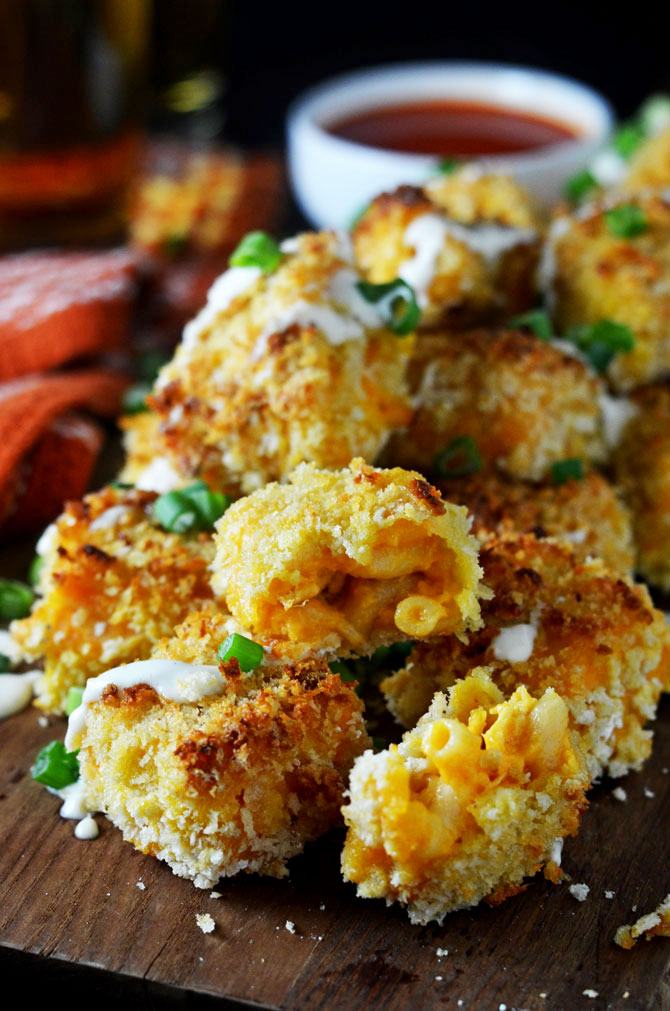 Baked Buffalo Chicken Mac N Cheese Bites. A hit party appetizer or Game day snack! | hostthetoast.com