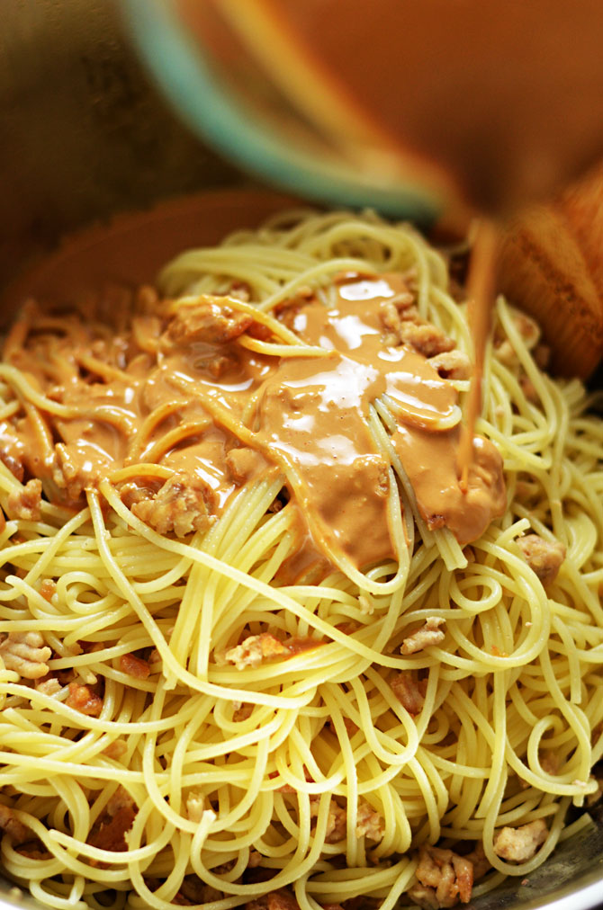 Spicy Sesame-Chili Noodles with Chicken. This weeknight dinner-worthy dish is fuss-free and full of flavor. | hostthetoast.com