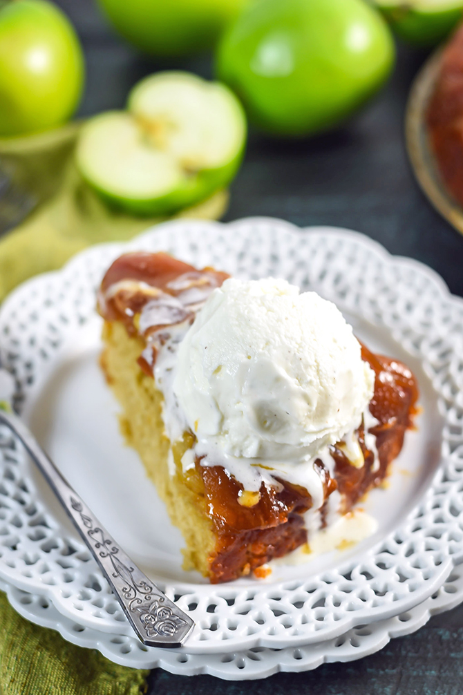 Salted Caramel Apple Upside Down Cake. This easy fall dessert is full of cinnamon, brown sugar, apple, and caramel flavors. | hostthetoast.com